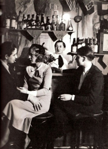 Lesbian Bar in Paris - George Brassaï, 1930's